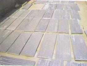切割成一定规格尺寸的复合钢板